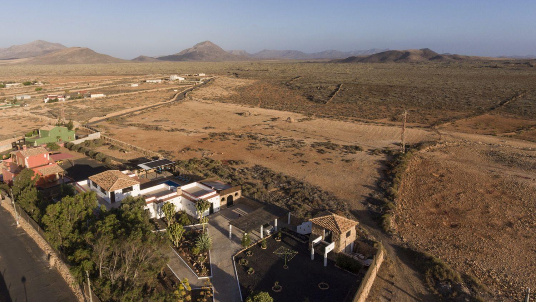 Groot natuurpark grenzend aan Villa Vital / Large nature reserve adjacent to Villa Vital